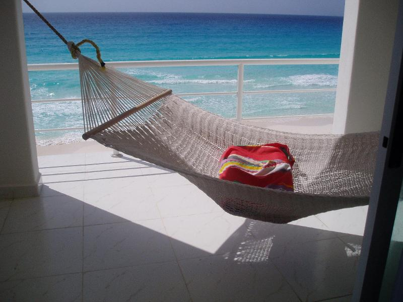 Hammock with pillow.JPG - Beautiful Beach Front View Christmas WK Available - Cancun - rentals