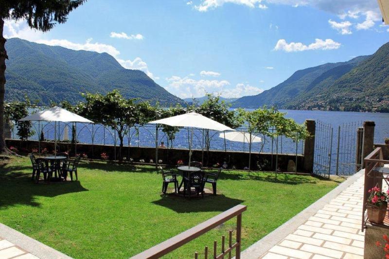 Courtyard Garden to our Waterfront Lido and Dock - BEACHFRONT -  Villa Vista Lago -  Lakefront Views - Como - rentals