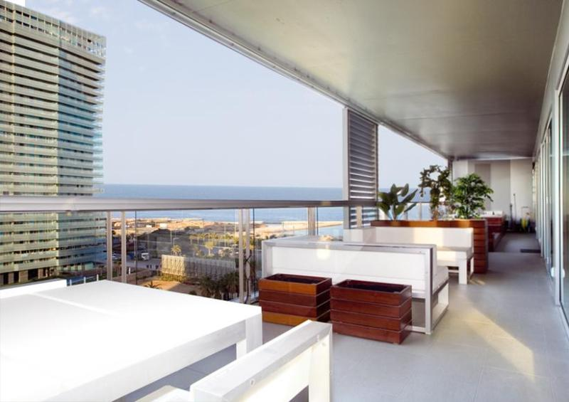 Terrace with Jacuzzi - Beach Apartment with Jacuzzi & Sea Views - Barcelona - rentals