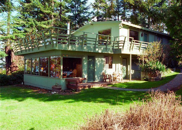 123 -Mutiny Bay Waterfront House, 6546 - next to #122 - Image 1 - Freeland - rentals
