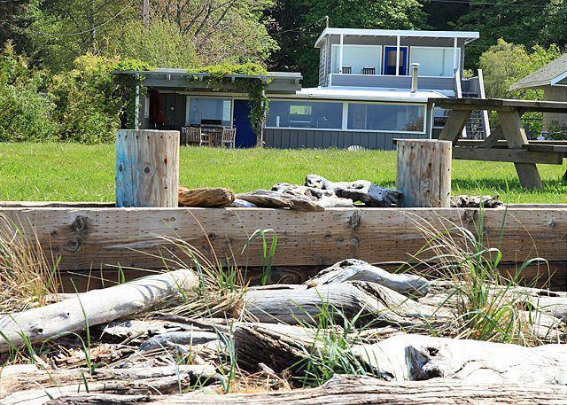182- Maxwelton Beach House, 7604 - Image 1 - Clinton - rentals