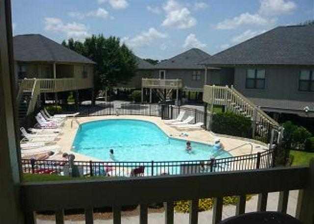 Inexpensive and Charming 2 Bedroom Guest Cottage with a Pool, Myrtle Beach SC - Image 1 - Myrtle Beach - rentals