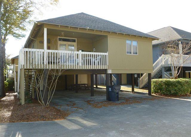 Cozy & Convenient Summer Cottage in Family Friendly Area with WIFI Included - Image 1 - Myrtle Beach - rentals