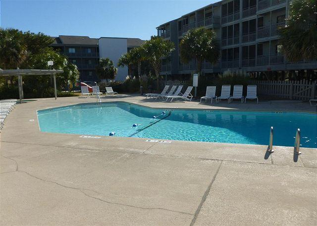 Great pricing & steps away from the sand! Pelicans #131 Landing Myrtle Beach - Image 1 - Myrtle Beach - rentals