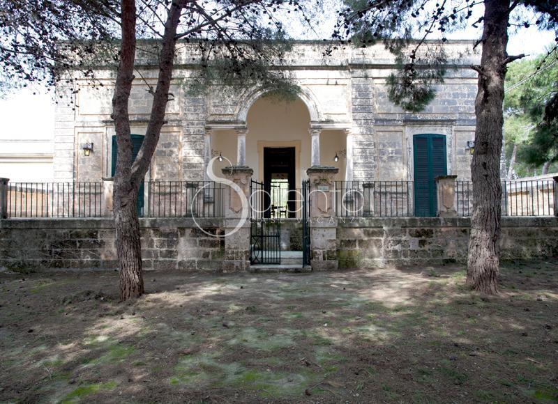 antique villa for an unforgettable stay - Image 1 - Santa Maria di Leuca - rentals