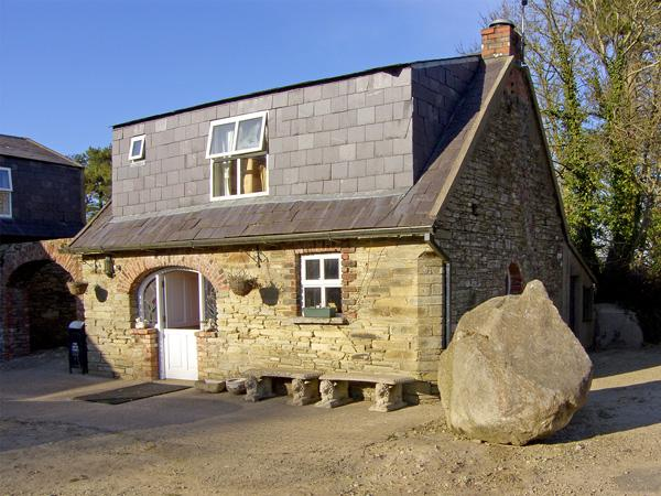 TOBER BEAG, pet friendly, character holiday cottage, with open fire in Ferns, County Wexford, Ref 3944 - Image 1 - Ferns - rentals