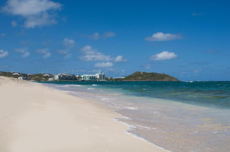 Dawn Beach - steps from home - PREMIER 2 BR - SPECIAL OFFER 25% DISC - JAN-APRIL - - Philipsburg - rentals