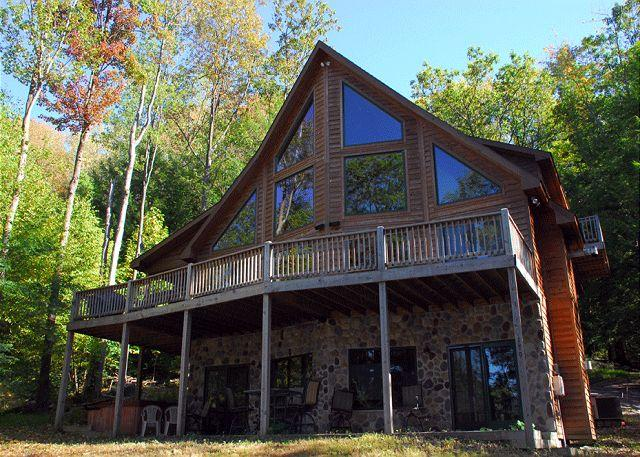Exterior - Beautiful and Spacious 6 Bedroom w/Hot Tub and Dock Slip - Oakland - rentals
