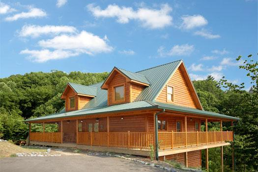 Country Living - Wonderful Family Cabin 1 mile from Dollywood (WiFi - Sevierville - rentals