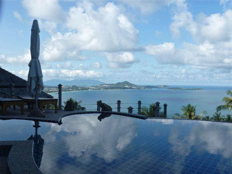outstanding views of the upper pool, and Chaweng Bay - Villa Lomchoy - Spectacular views from home & pool - Chaweng - rentals