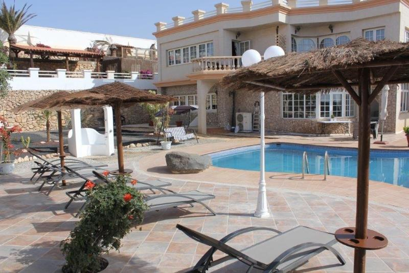 Fuerteventura Serenity has 2 Luxury Bedrooms, plus a Self-Catering Apartment within - Fuerteventura Serenity........ Luxurious Bed  and Breakfast/ Guest House - Costa Calma - rentals