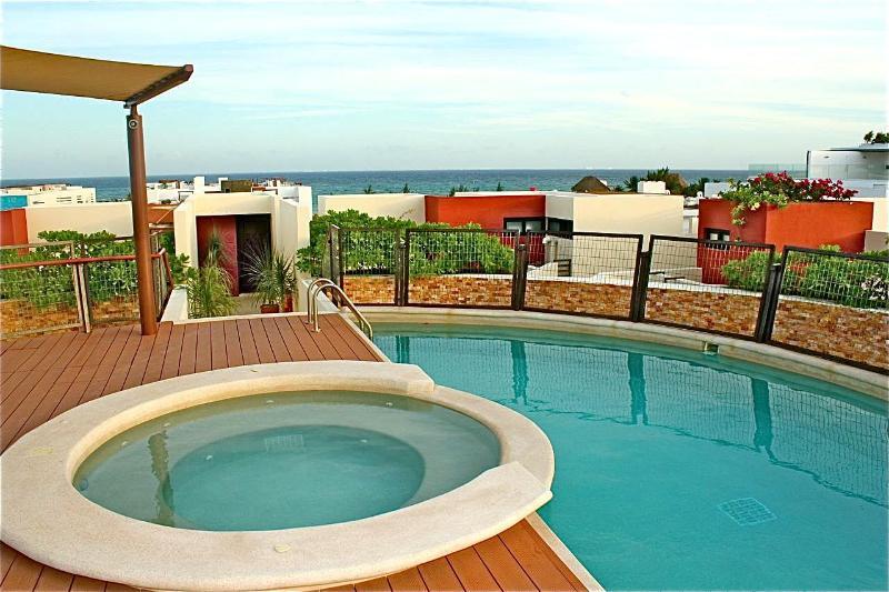 Heliko 403 Condo Coco Beach, Playa del Carmen - Image 1 - Playa del Carmen - rentals