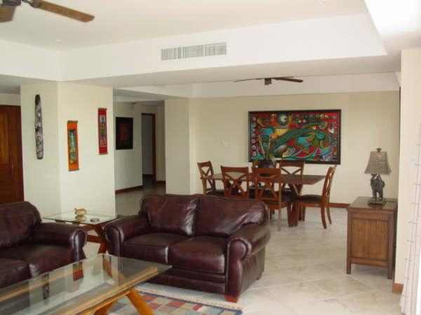 Open concept living/dining area - Vista Mar end unit - Great Sunsets every night - Jaco - rentals