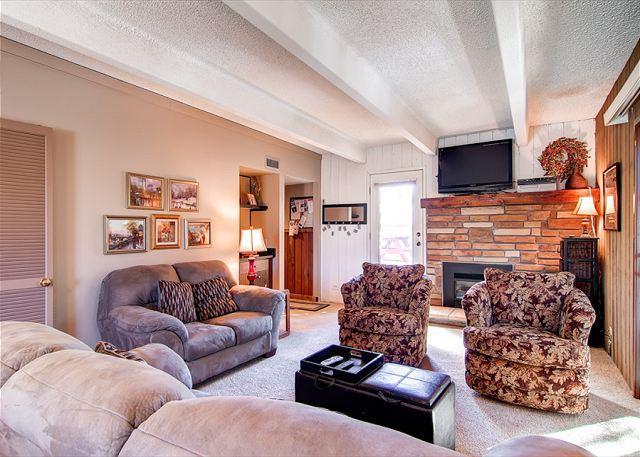 Columbine Condo Living Room Breckenridge Lodging - Columbine 301 Condo Downtown Breckenridge Lodging - Breckenridge - rentals