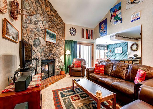 Park Place Living Room Breckeridge Ski-in Lodging - Park Place 302B Ski-in Condo Downtown Breckenridge Colorado Vacation - Breckenridge - rentals