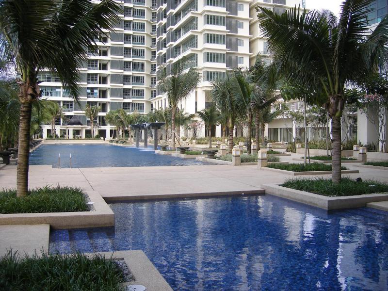 Main pool area - Luxury 3 bed apartment. Subang Jaya. Kuala Lumpur - Kuala Lumpur - rentals