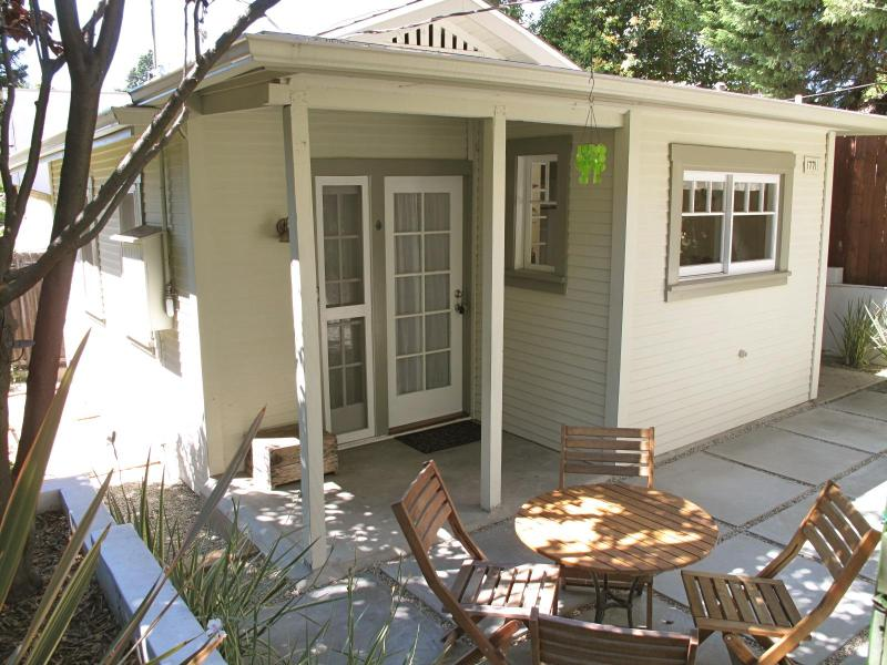 Adorable Cottage In Silver Lake - Image 1 - Los Angeles - rentals