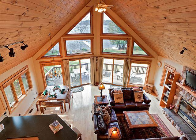 Living Room - The Island View II Private Vacation Rental Home - Eagle River - rentals