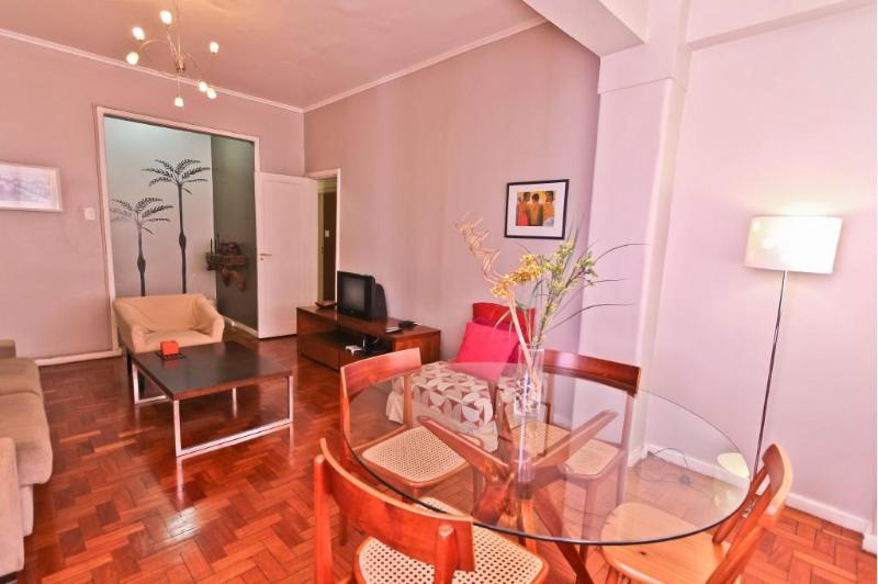 Dining area in living room - IPANEMA - 3 Bedrooms Apartment - Rio de Janeiro - rentals
