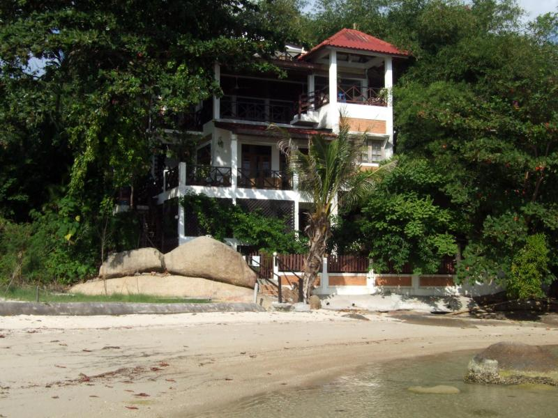 Location at the beach - EAST 100, Private  Beach Villa on Lamai Beach - Koh Samui - rentals