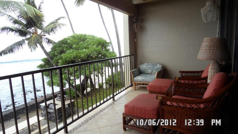 Relax on the lanai - Direct Oceanfront Condo - Kailua-Kona - rentals