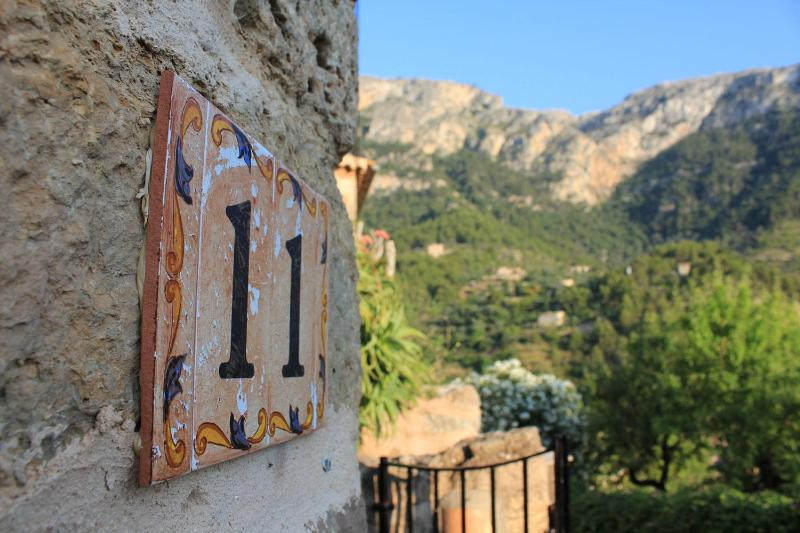 11 Ramon Llull - Unique 200 Year Old Traditional Mallorcan House - Deia - rentals