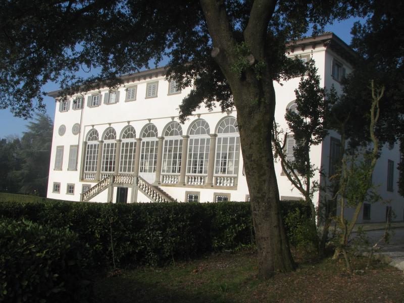 Palazzo Villa Guinigi - History 2 Bedroom Villa in Lucca, Italy - Matraia - rentals