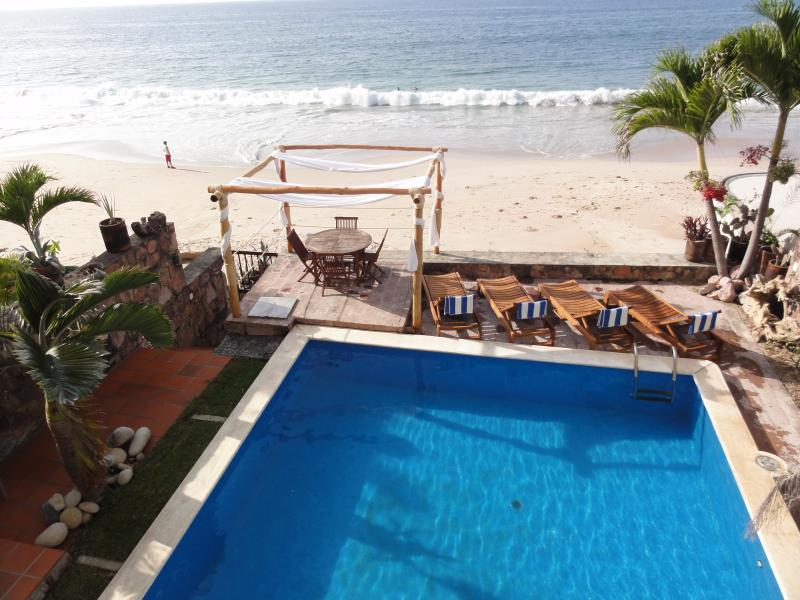 Pool and Beach - Beachfront Luxury Villa best area of P. Vallarta - Puerto Vallarta - rentals