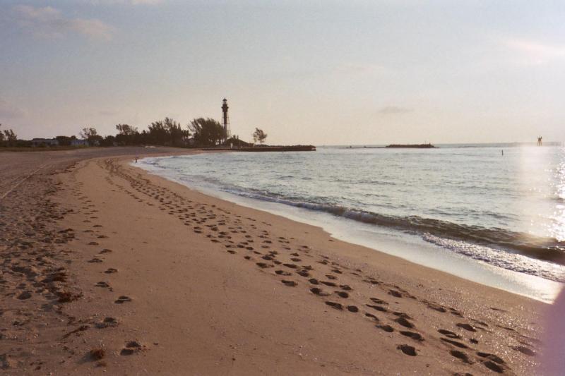 007_4A.JPG - South East Florida beach spa condo Ft  Lauderdale - Pompano Beach - rentals