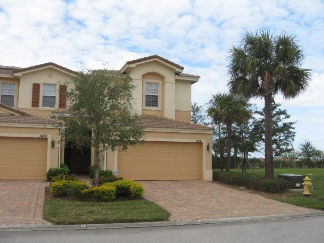Front view - 1st Choice -  3-BR getaway in Fort Myers - Fort Myers - rentals