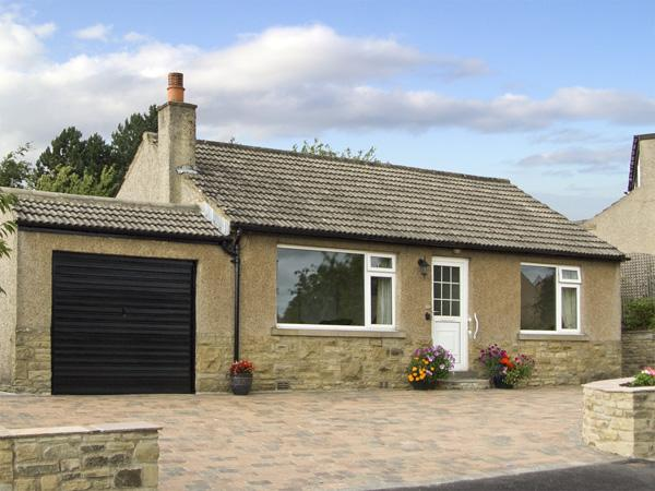 WYNNVILLE, country holiday cottage, with a garden in Embsay, Ref 4240 - Image 1 - Embsay - rentals