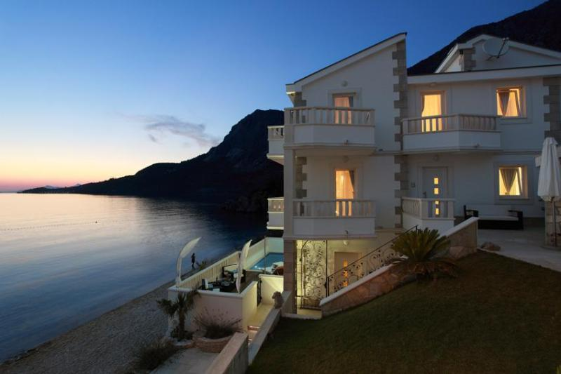 Villa SVilla Dalmatia County, Makarska, Drasnice - Image 1 - Podgora - rentals