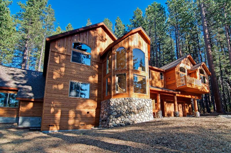 7 bd/8 bath Heavenly w/Pool - Image 1 - South Lake Tahoe - rentals