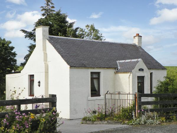MOTE COTTAGE, pet friendly, country holiday cottage, with a garden in New Cumnock, Ref 4238 - Image 1 - New Cumnock - rentals