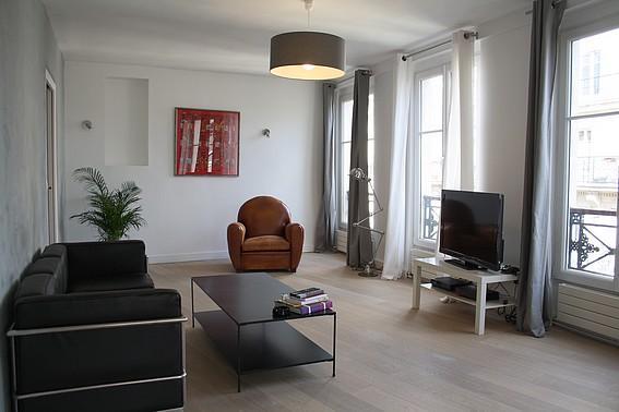 parisbeapartofit - Louvre Rue Coq Heron (635) - Image 1 - Paris - rentals