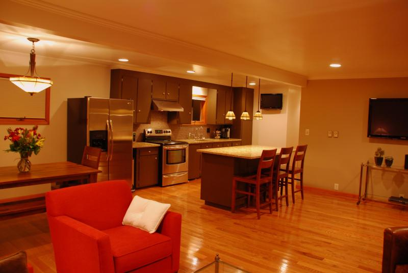 Open Kitchen at The Broadway Guest House in Granville Ohio - The Broadway Guest House - Granville - rentals