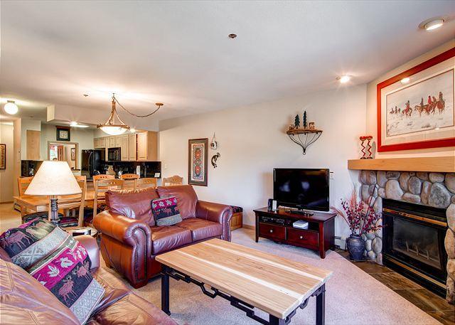 Tyra Chalet Living Room Breckenridge Ski-in/Ski-out Lodging - Tyra Chalet 232 Luxury Ski-in/Ski-out Condo Breckenridge Colorado - Breckenridge - rentals