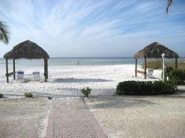 Estero Sands  #402 ES402 - Image 1 - Fort Myers Beach - rentals