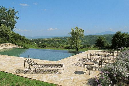 Villa Ubaldo overlooks a nature reserve, with infinity pool and maid service - Image 1 - Orvieto - rentals