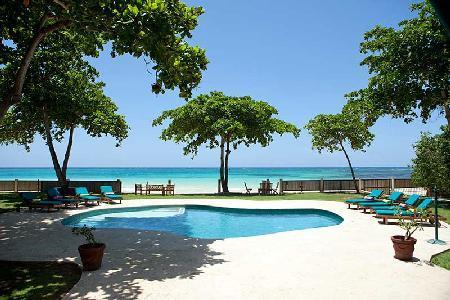 Malatai- enjoy watersports on white sand beach, pool- jacuzzi, gym & full staff - Image 1 - Ocho Rios - rentals