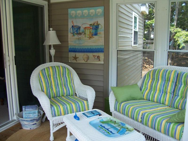 Relax on the three season sun porch ... - Wells, Maine ~ Selkie 167/168 at BEACH DREAMS - Wells - rentals