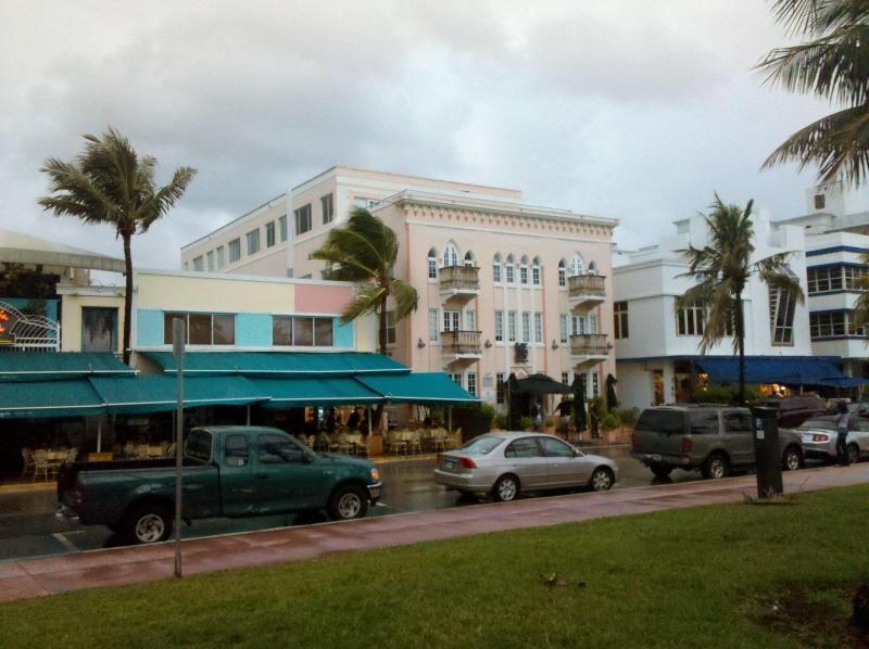 THE ART DECO BUILDING-APARTMENT IS 2ND FLOOR LEFT CORNER - 918 OCEAN DRIVE-OCEANFRONT BALCONY ONE BEDROOM - Miami Beach - rentals