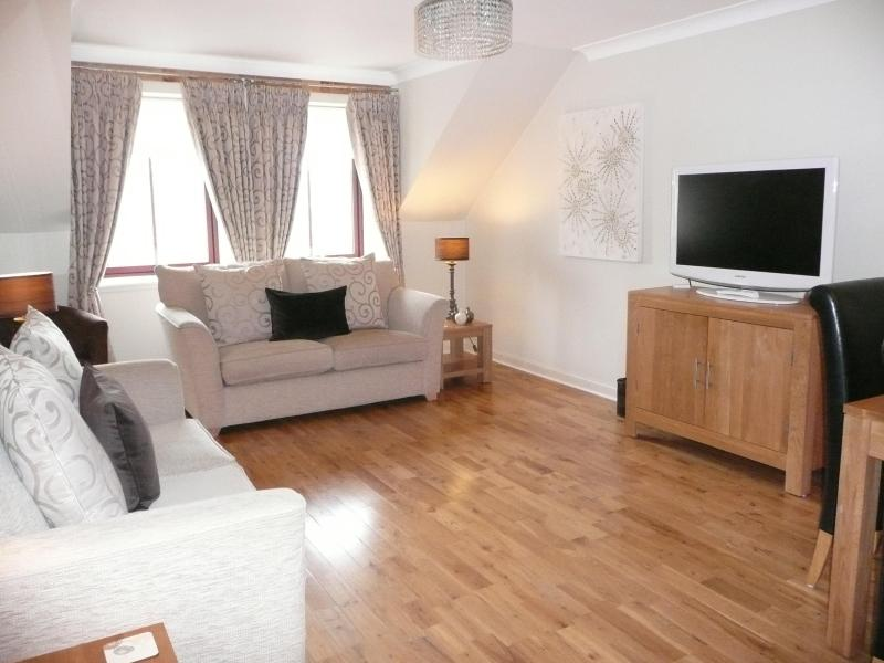 Spacious Livingroom/Diningroom with 1 sofabed - 5 star - AARAN GULLANE 1 - sleeps 2/3 - Gullane - rentals