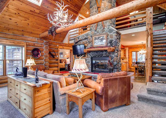 Creekside Retreat Living Room Frisco Luxury Home Rentals - Creekside Retreat Luxury Home Hot Tub Frisco Colorado House Rental - World - rentals