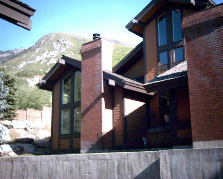 Exterior back - Canyon Racquet Club 4 bedroom/loft Condo Sleeps 12 - Cottonwood Heights - rentals