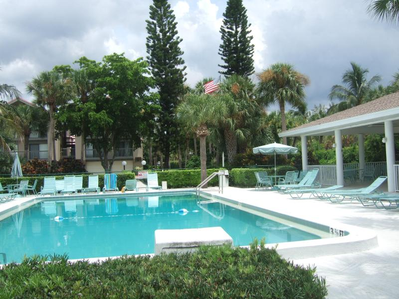 Private heated pool with gazebo and gas grill - 2B2B TwnHouse Minutes Fr SKBch - Siesta Key - rentals