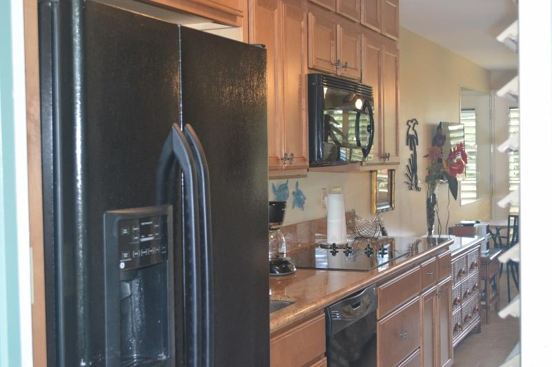 Galley Style Kitchen as you enter the unit - Napili Bay Resort #111, Beachfront, Oceanview WIFI - Lahaina - rentals