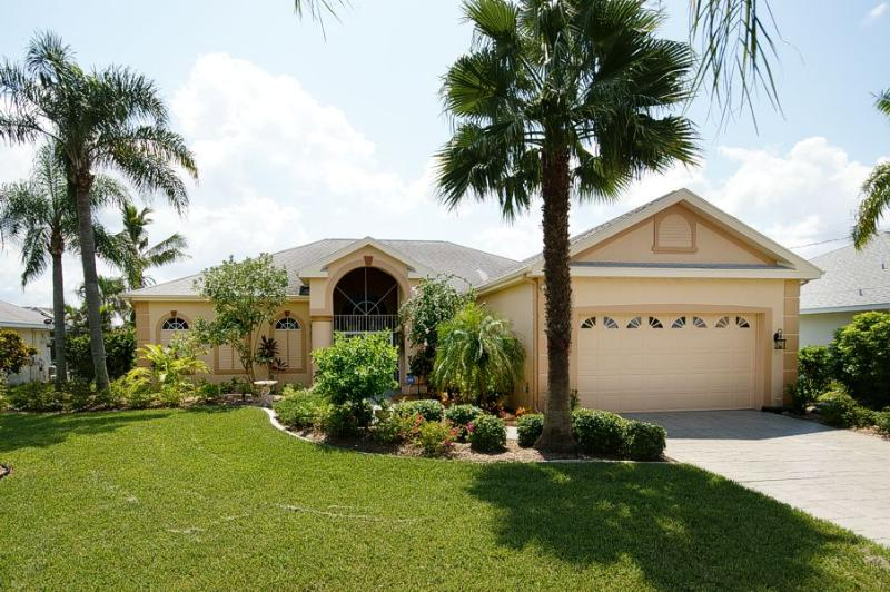 Drive Up - Superb Floridian Waterfront Gulf Access Pool Villa - Cape Coral - rentals