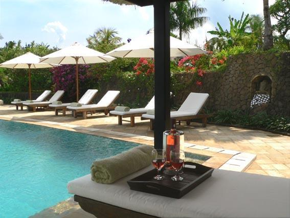 The sun deck next to the swimming pool - Villa Bali Breeze Lovina - Car & driver included - Lovina - rentals