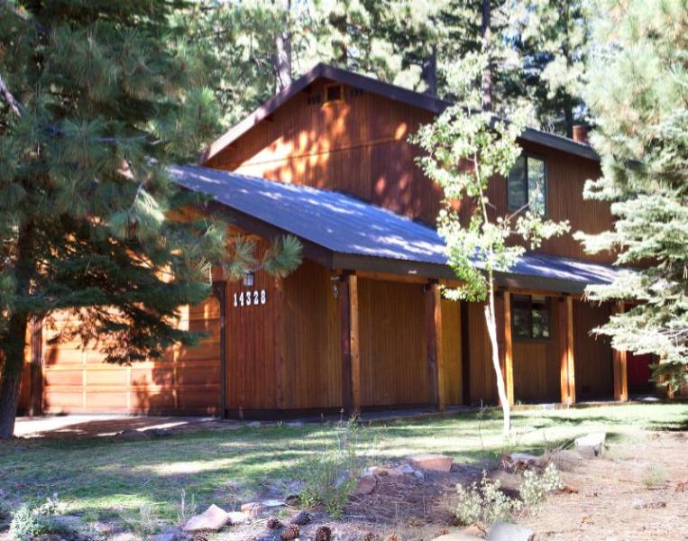 Welcome Home - Peaceful Pines--Hot Tub, Wifi, Allergy-Friendly - Truckee - rentals